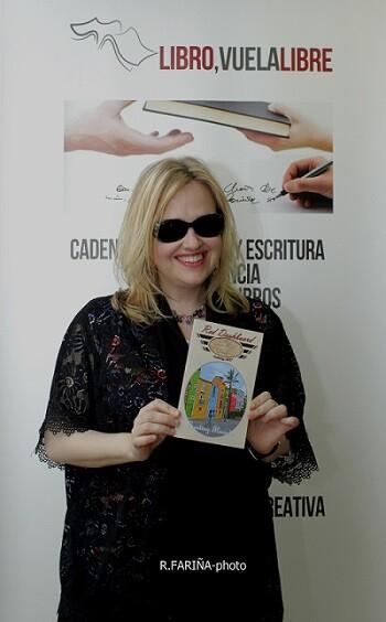 Encuentro con la escritora Anita Haas. (Foto-Valencia Noticias).