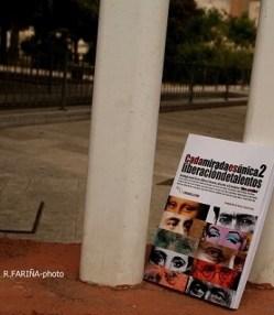 Los 21 autores que integran este año la antología anual de 'Libro, vuela libre' se han caracterizado por su originalidad y autenticidad.(Foto-R.Fariña-Valencia Noticias). - copia