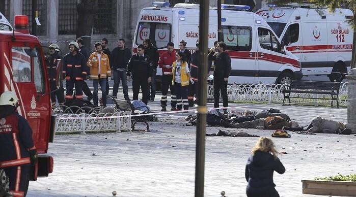 Al menos 10 personas perdieron la vida. (Foto-AFP).