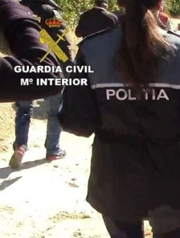 Los detenidos, de nacionalidades española y rumana, fueron puestos a disposición judicial.