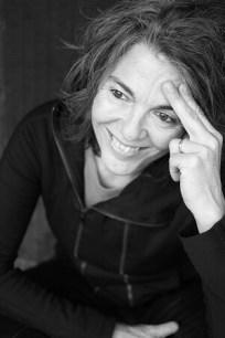 La autora en una imagen que acompaña el libro. (Foto-Miri García).