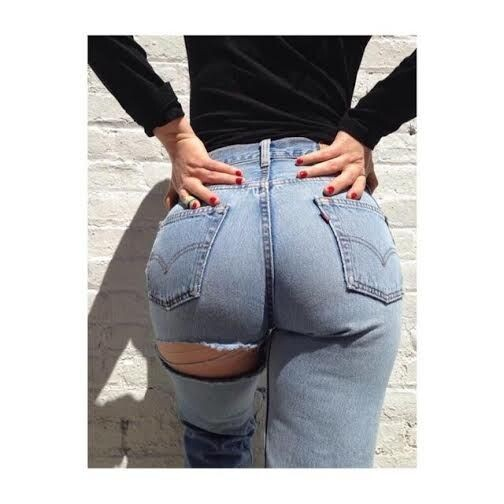 Nueva Moda Insolita Usar Jeans Rotos En El Trasero Valencia Noticias