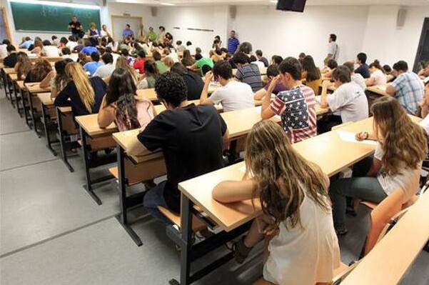 La asignatura de Religión en la escuela pública pierde casi 100.000 alumnos en la última década.