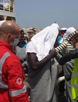 Inmigrantes rescatados de pateras.