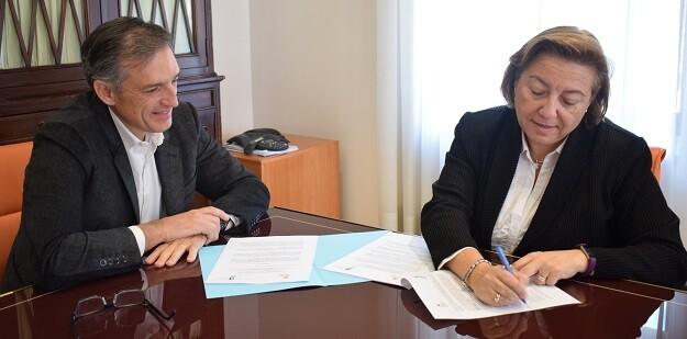 Firma del convenio con Hidraqua.