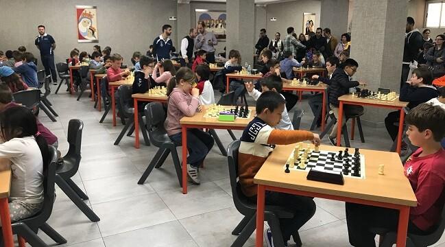 La zona de juego fue amplia y espaciosa y permitió a los jugadores centrarse solo en el desarrollo de las partidas.
