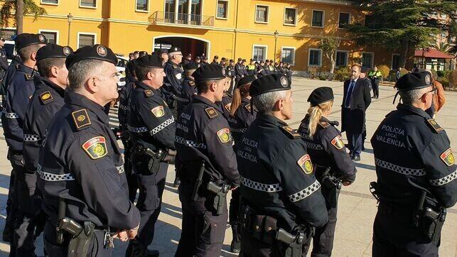 Valencia-policial-efectivos-ambulante-menudeo_EDIIMA20200113_0557_19