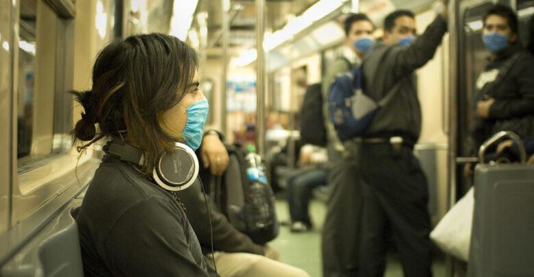 Swine_Flu_Masked_Train_Passengers_in_Mexico_City-780x405