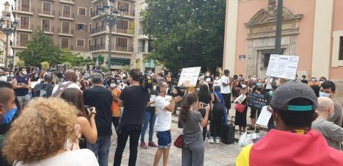 Valencia desafía las prohibiciones por George Floyd, el afroamericano muerto 20200607_110044(5)