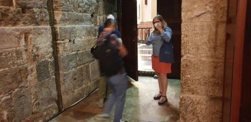La Dra. Ana Mafé acompaña a la televisión francesa en busca de localizaciones para una grabación sobre el Santo Grial 20200706_090824 (3)