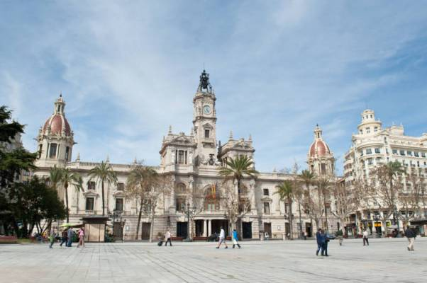 La Plaza del Ayuntamiento de Valencia - valenciaplaza.com