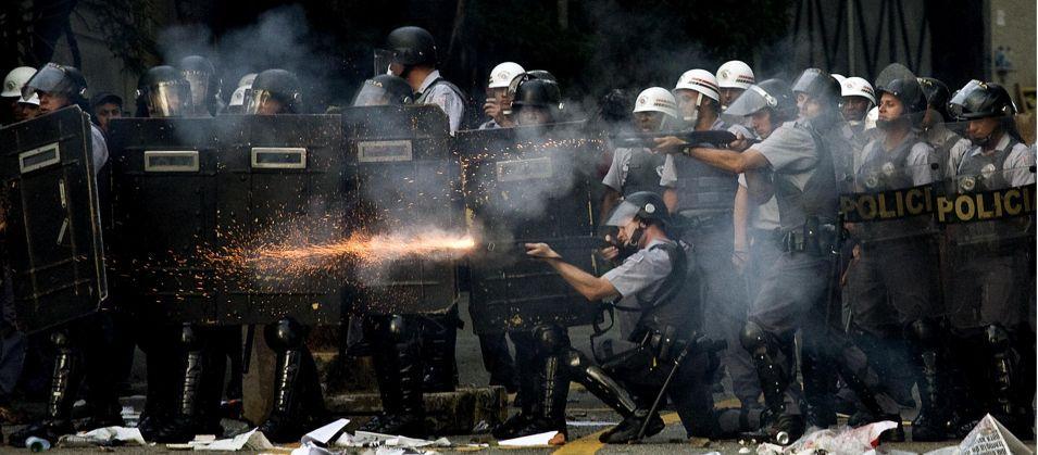 Resultado de imagem para polícia violenta
