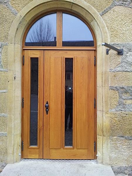 Fabrication et pose de portes artisanales