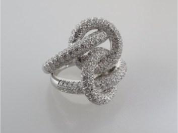 Valenzya Diamond Ring