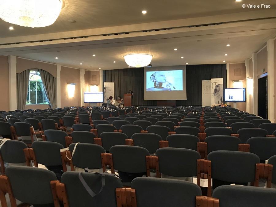 Conferenza a Lugano: sono speaker. Sala conferenza Lugano
