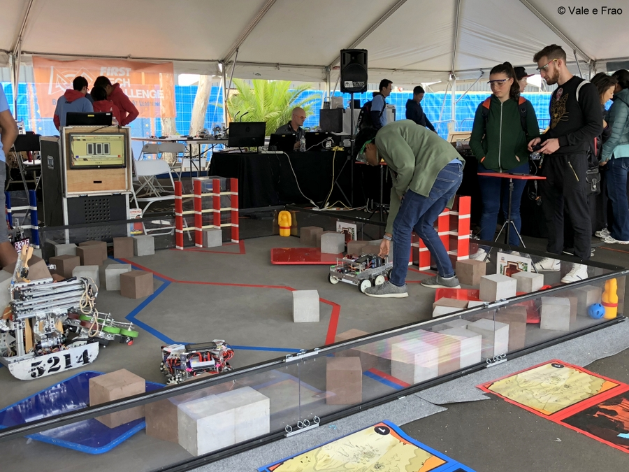 California: Maker Faire Bay Area. Vale e Frao esperimentano