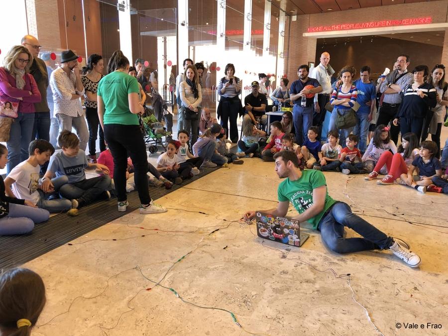 Festival delle scienze di National Geographic a Roma. valeria e francesco laboratorio ragazzi e bambini