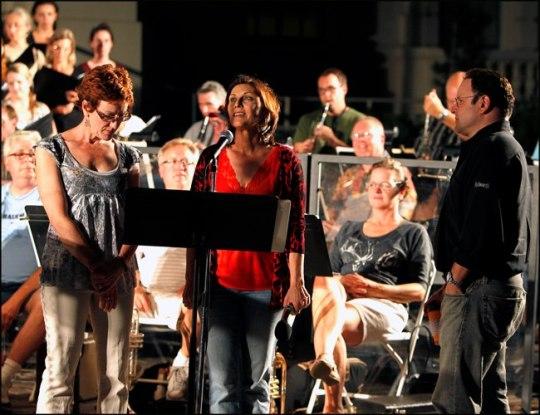 Lisa Vroman and Jason Alexander and Pasadena Pops during rehearsal