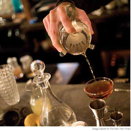 cocktail-pour-NYT-GVigliotti_crop-opt