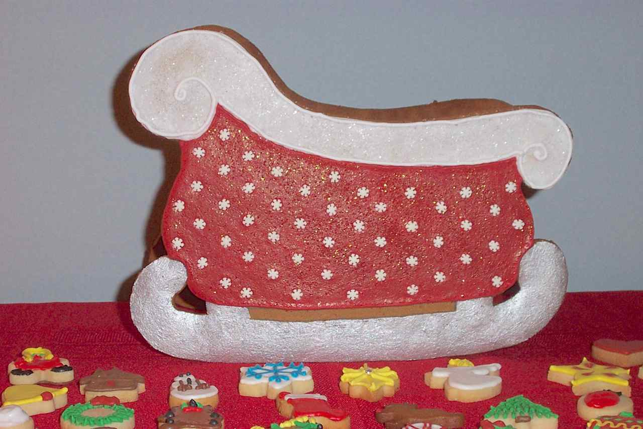20 Finished Sleigh W Cookies