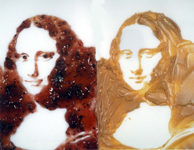 "Artist Vik Muniz created this version of the Mona Lisa using peanut butter and jelly from his ""Portraits of Garbage"" series."