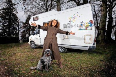 camping-car sur la route de la joie avec Isabelle Bourgeois