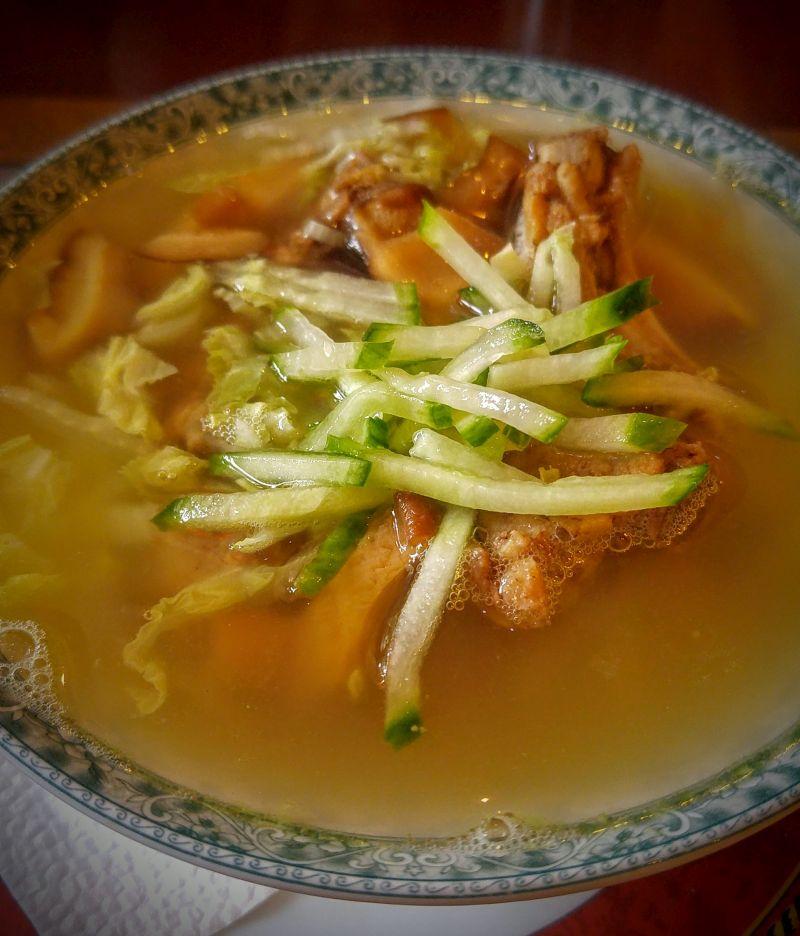 šonkauliukų sriuba