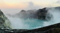Vulcano Ijen, Indonesia: il lago acido più grande al mondo