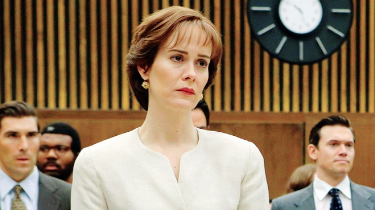 "THE PEOPLE v. O.J. SIMPSON: AMERICAN CRIME STORY ""Conspiracy Theories"" Episode 107 (Airs Tuesday, March 15, 10:00 pm/ep) -- Pictured: (l-r) Sarah Paulson as Marcia Clark, Sterling K. Brown as Christopher Darden. CR: Ray Mickshaw/FX"