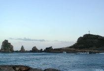 Saaren itäisimmän kärjen korkeimmalla kohdalla on mahtavan iso risti.