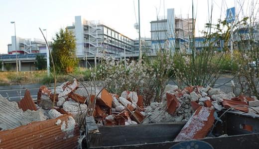 Toneladas de basura se acumulan en las inmediaciones del Hospital Infanta Leonor