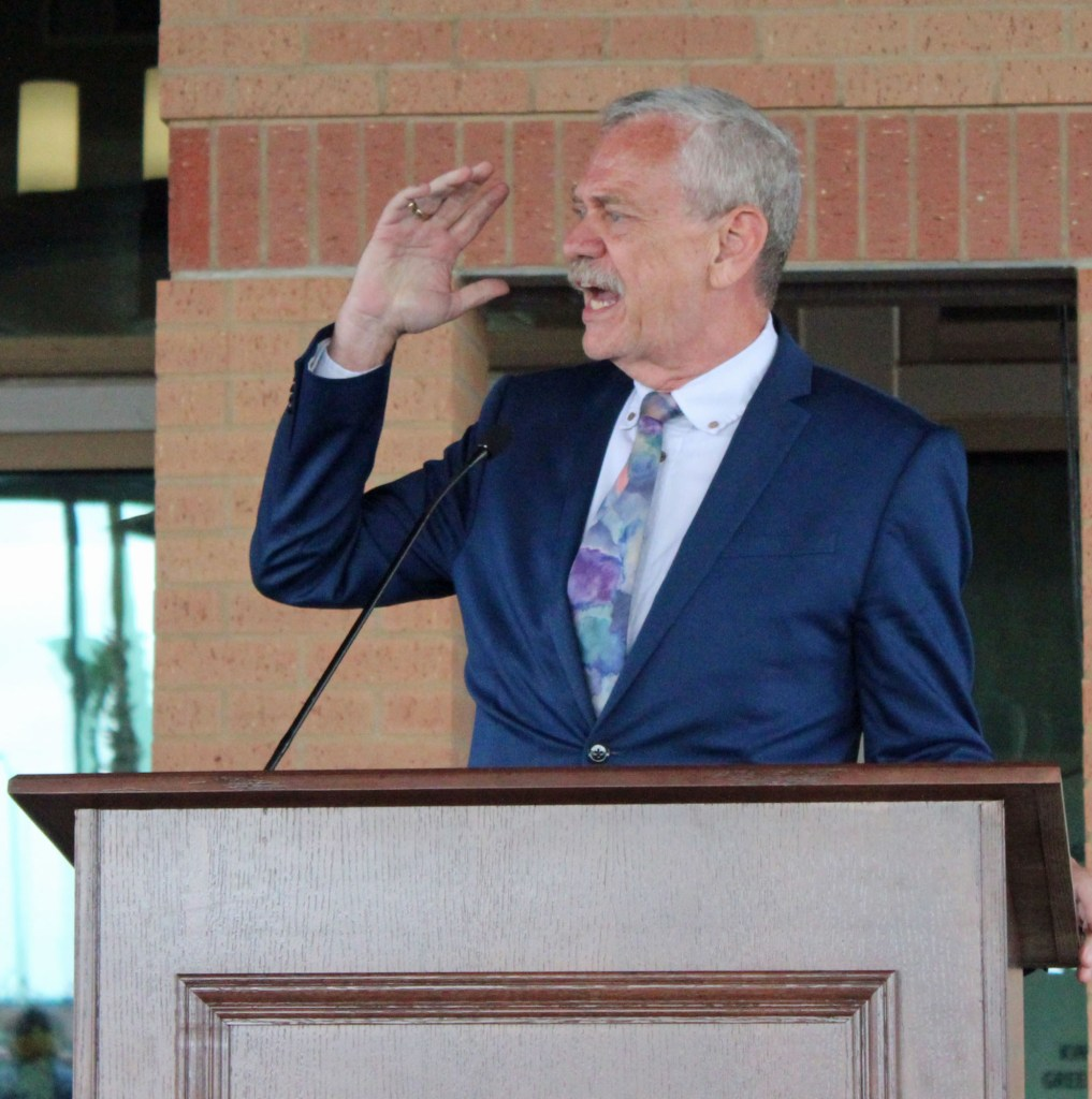 Bill Reagan, director of Loaves and Fishes, offered a blessing of the new facility. (VBR)
