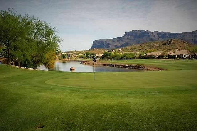 Matched with the same great golf course conditioning is Sidewinder, rated 4 Stars by Golf Digest. Sidewinder leads golfers through desert arroyos and native desert washes. The course offers a challenging desert layout for golfers of all abilities. Featuring dramatic views of the legendary Superstition Mountains, Sidewinder has it all; water features, gently rolling fairways, undulating greens and pristine Sonoran Desert vegetation makes Sidewinder one of the best values in the Valley.