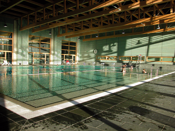 Centre sportif couvet val de travers piscine athl tisme for Centre sportif cote des neiges piscine