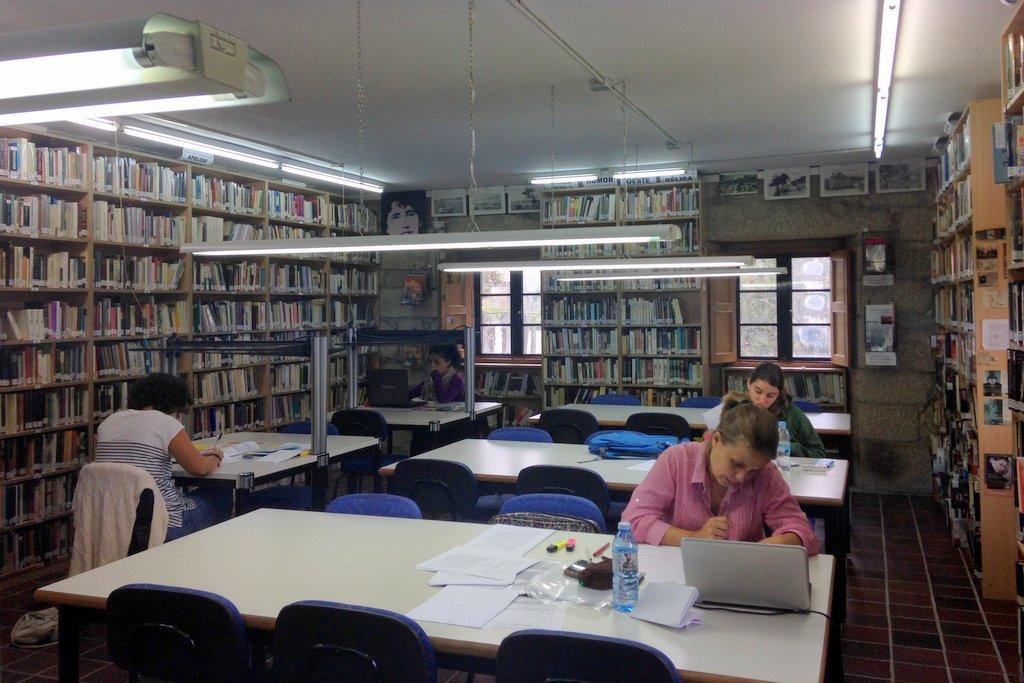 biblioteca-de-nigran-4