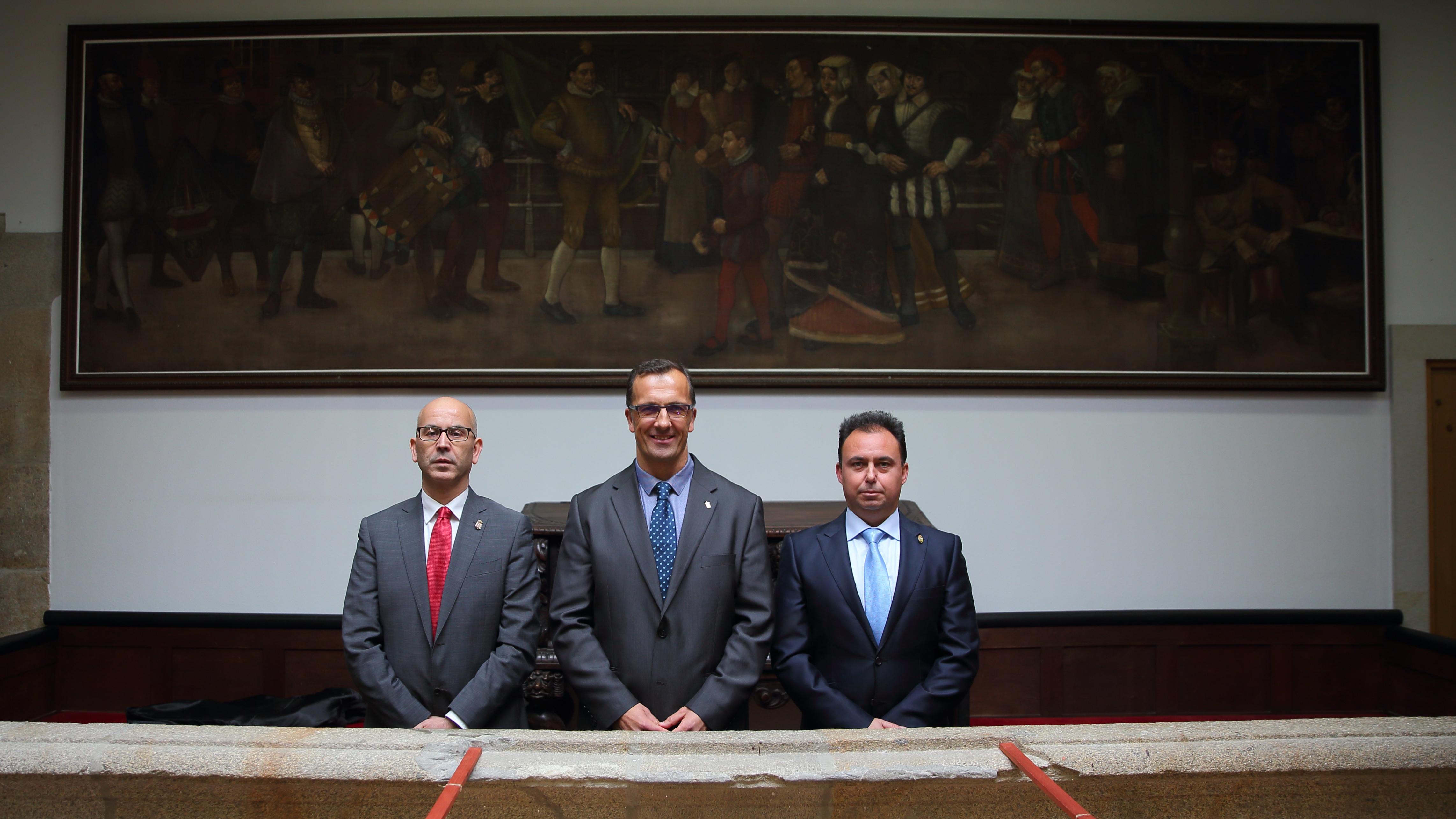 O rexedor de Baiona, xunto ao de Santa Fe de Granada, Manuel Gil, e o Primeiro Tentene de Alcalde de Palos de la Frontera, Ricardo Bogado.JPG