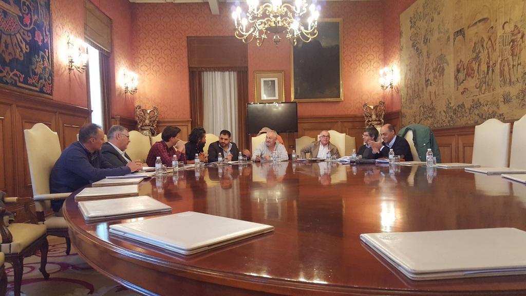 A DEPUTACIÓN EDITARÁ UNHA GUÍA PRÁCTICA CON SOLUCIÓNS DE DESEÑO PARA ESTRADAS PROVINCIAIS E ESPAZOS PÚBLICOS