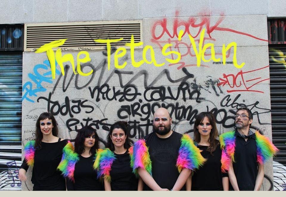 THE TETAS' VAN