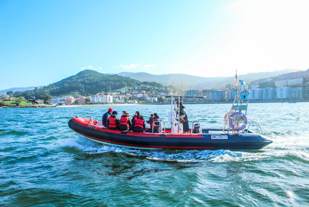 2019-11-12 – Los menores navegaron por la bahía de Baiona – Foto © Rosana Calvo