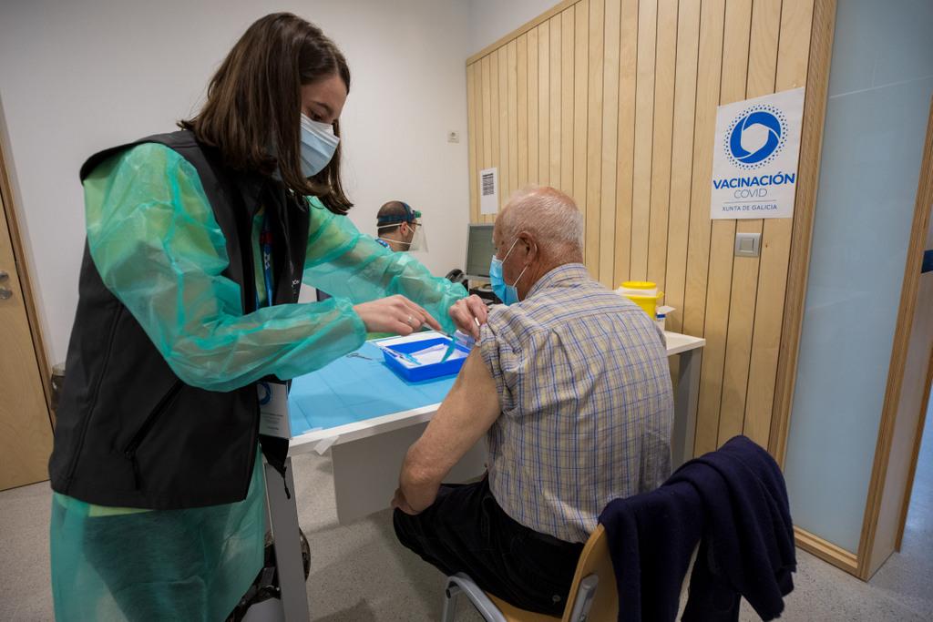 Comeza a campaña de vacinación fronte á covid para o colectivo de maiores de 80 anos
