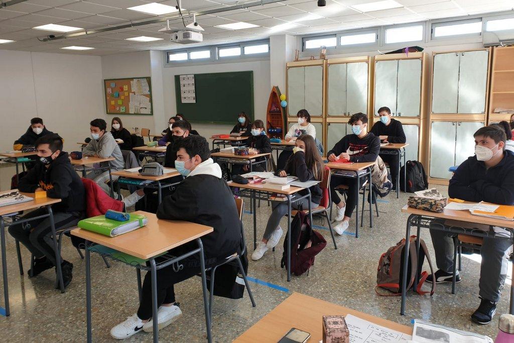 2021-02-22 – Alumnado Cova Terreña conferencia Martín de la Puente