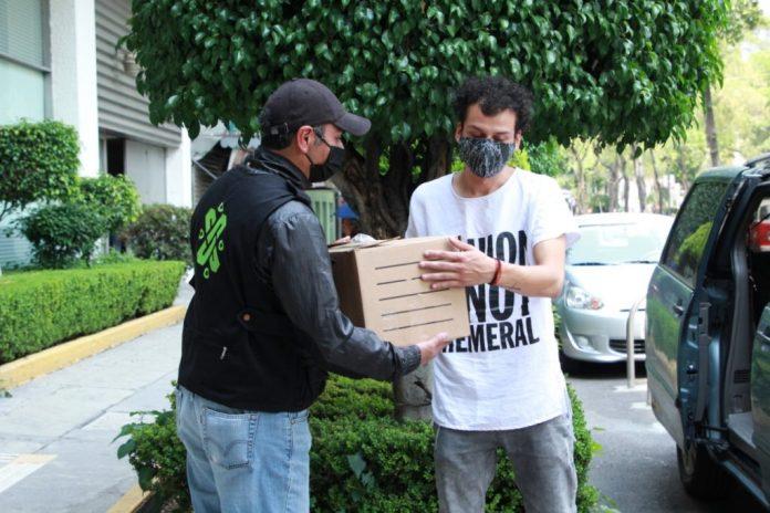 Grupo Modelo y Cerveza Victoria donan cubrebocas al SEMOVI