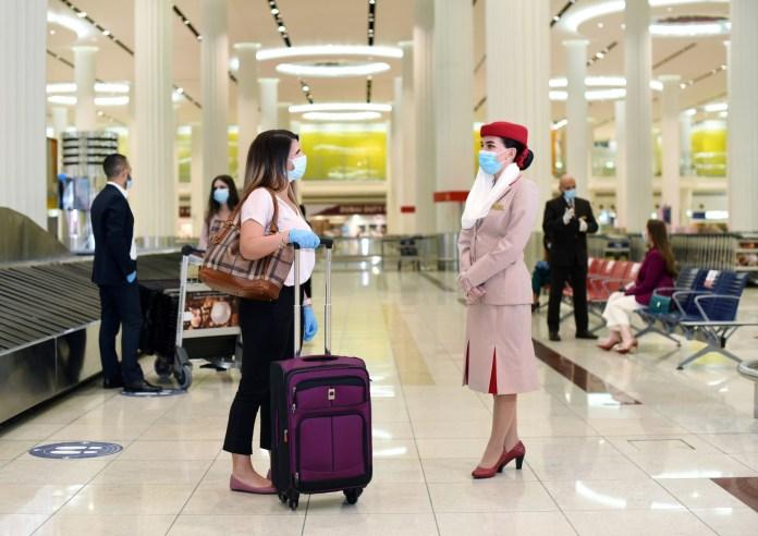 Emirates cubre gastos de COVID-19 en clientes para aumentar la confianza en los viajes