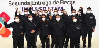 Iberdrola México y Gobierno de Oaxaca entregan becas universitarias en desarrollo tecnológico a jóvenes