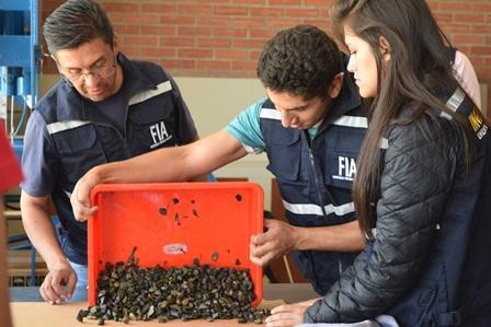 Estudiantes de la Universidad Privada Boliviana durante sus prácticas estudiantiles