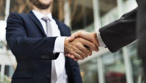 Partenaires : poignée de mains
