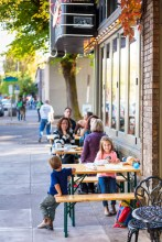 Streetside dining at The Fireside