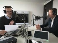 Markus Widmer (links) beim Podcasten für Mondi