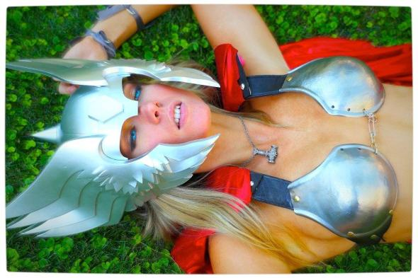 Vamers - Geekosphere - Thorsday - Toni Darling Gender-Bends Thorsday - Toni Darling as Thor 15