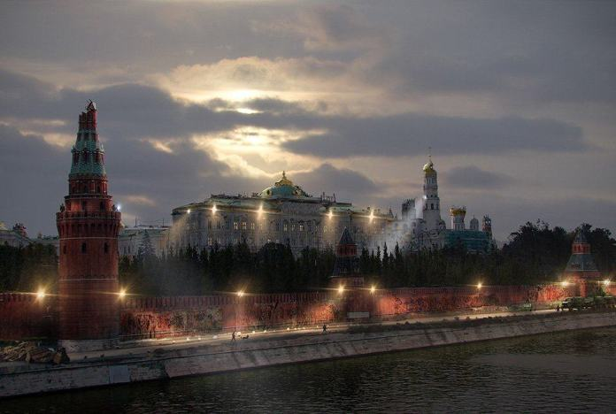 Vamers - Artistry - The World of The Last of Us- Envisioning a Post Apocalyptic Future - Kremlin Apocalypse